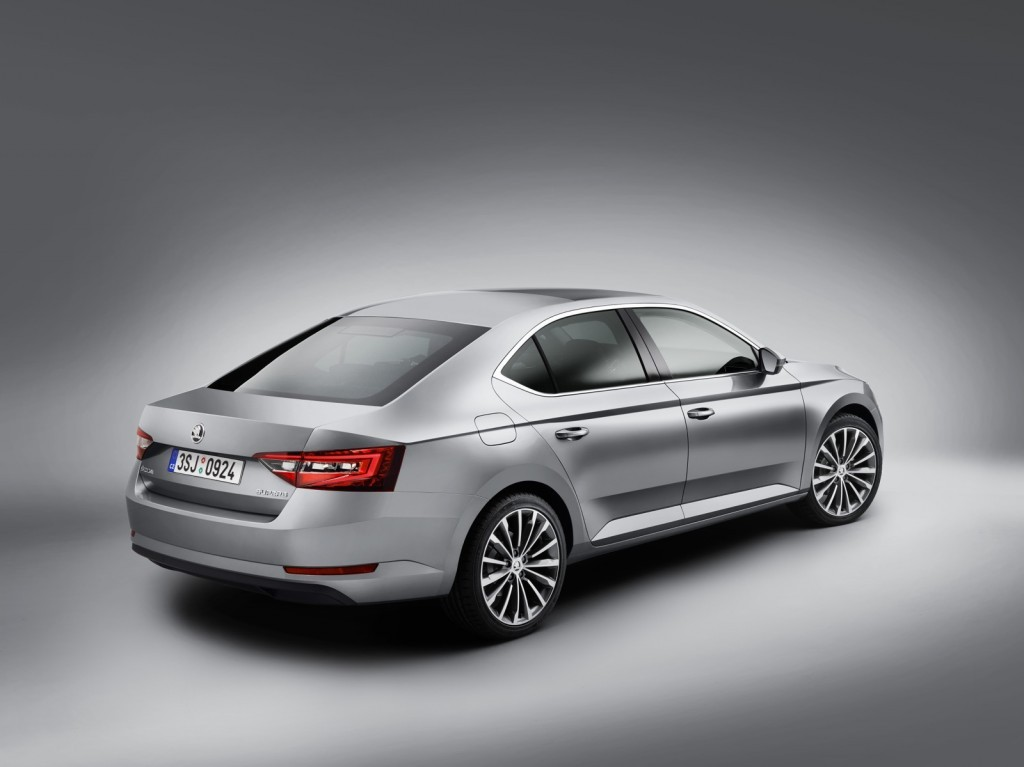 Skoda Superb car in india 2016