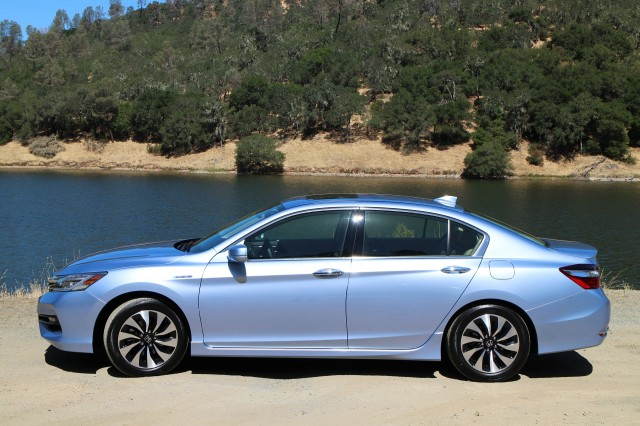 Have A First Look Of 2017 Honda Accord Hybrid