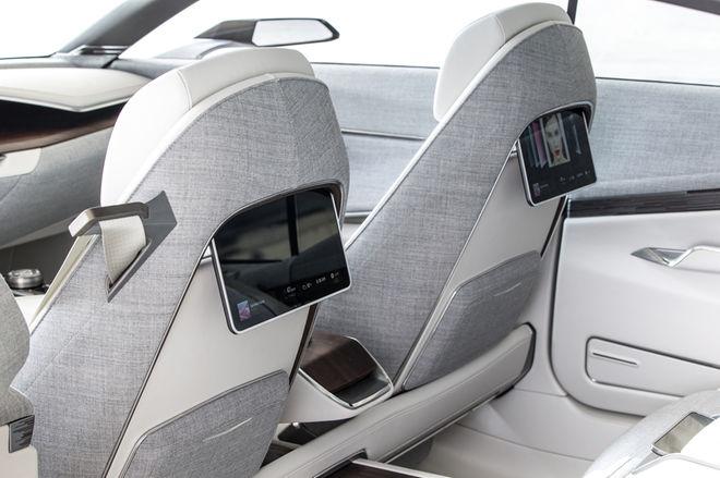 Cadillac-Escala-concept-rear-screens