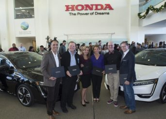 first-2017-honda-clarity-fuel-cell-customers-torrance-california
