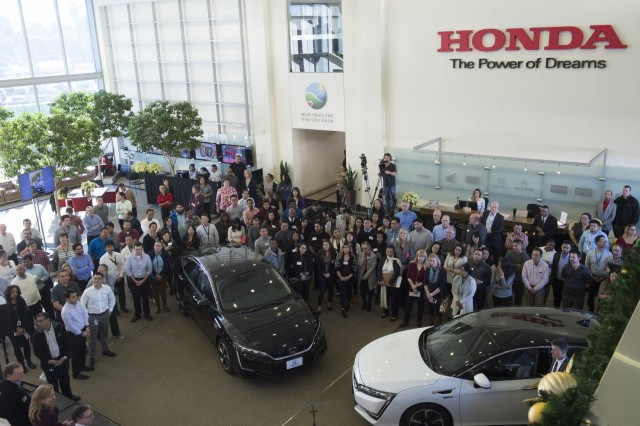 first-2017-honda-clarity-fuel-cell-deliveries-torrance-california_