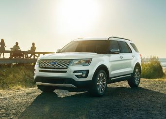 2017-Ford-Explorer-front-three-quarters