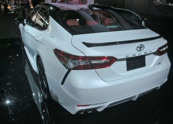 2018-Toyota-Camry-XSE-rear-three-quarters-1