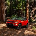2017-Jeep-Compass-Trailhawk-front-three-quarter