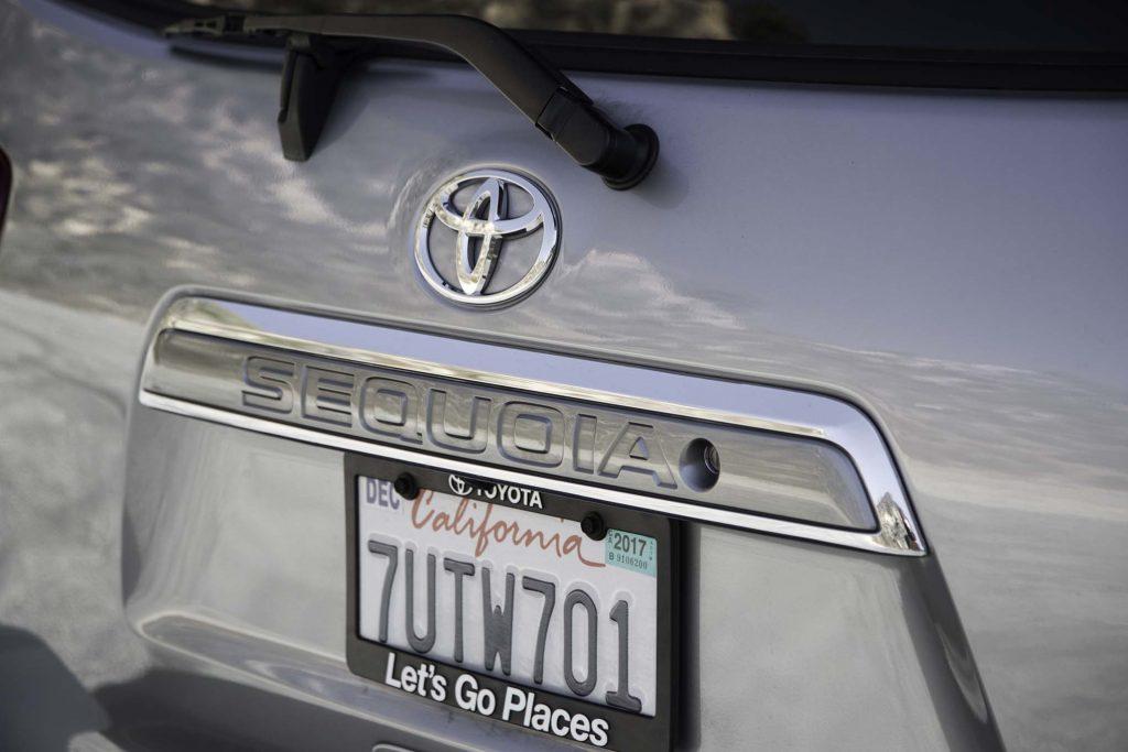 2017-Toyota-Sequoia-4x4-Platinum-rear-badge