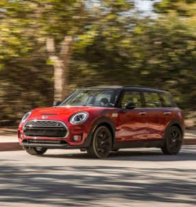 2017-Mini-Clubman-Cooper-S-All4-front-three-quarter-in-motion-02