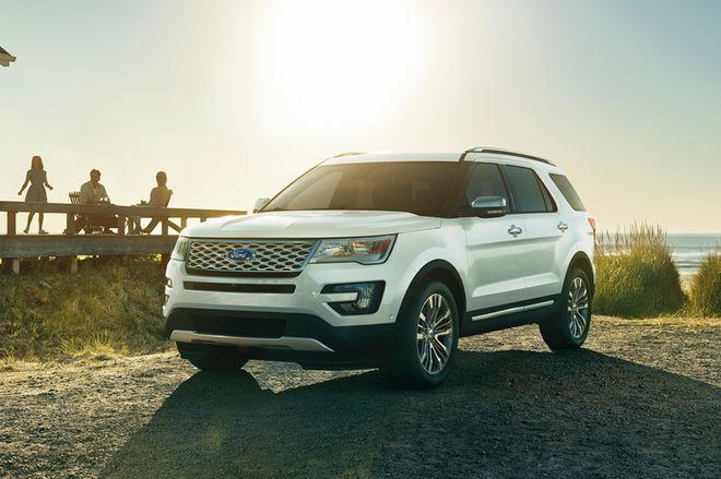 2017-Ford-Explorer-front-three-quarters