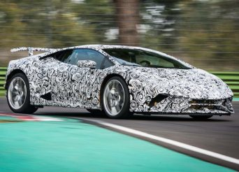 2017-Lamborghini-Huracan-Performante-prototype-front-three-quarters-in-motion