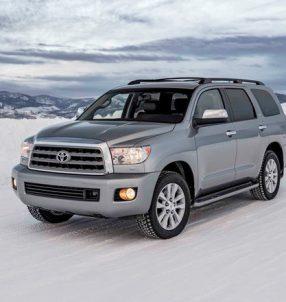 2017-Toyota-Sequoia-4x4-Platinum-front-three-quarters