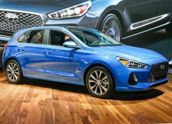 2018-Hyundai-Elantra-GT-hatchback-front-three-quarter